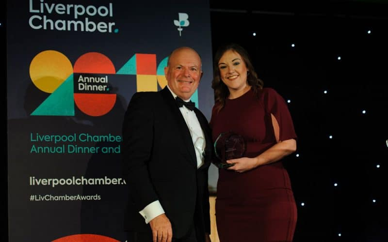 En anglais: Clarke Energy Receive 'The Chairman's Award' at Liverpool Chamber Awards