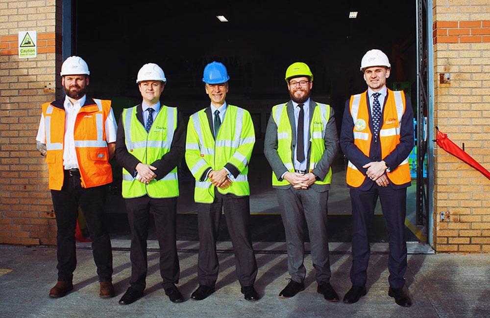 Στα αγγλικά: International Development Minister Inaugurates Newly Refurbished Overhaul and Repair Centre